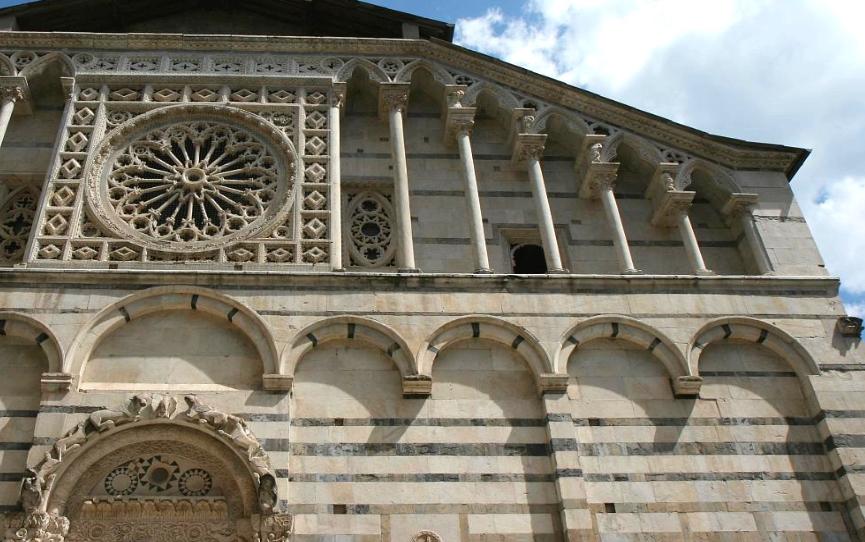 Duomo Carrara Turismo in Lunigiana